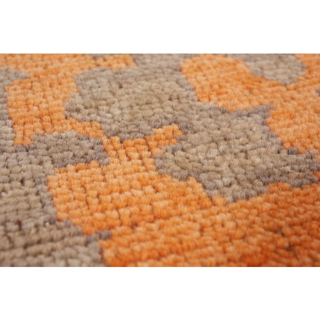 Early 21st Century Schumacher Sadri Area Rug in Hand-Knotted Wool, Patterson Flynn Martin For Sale - Image 5 of 7