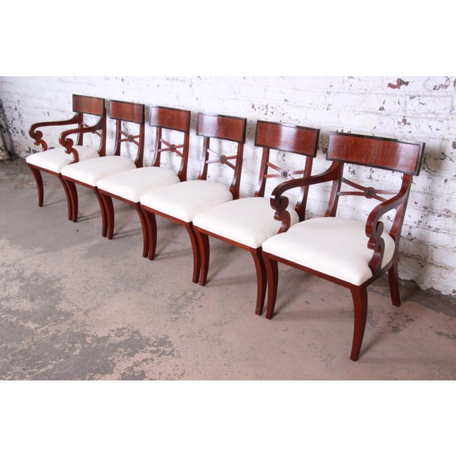 Baker Furniture Historic Charleston Georgian Banded Inlaid Mahogany Dining Set For Sale - Image 10 of 13