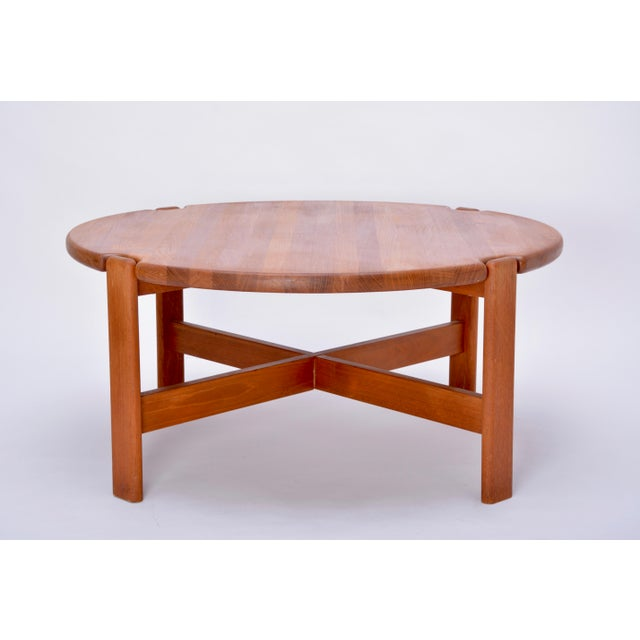 Mid-Century Modern Scandinavian Round Coffee Table in Solid Teak, 1970s For Sale - Image 3 of 10