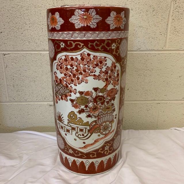 Hollywood Regency Vintage Gold Imari Umbrella Stand Vase For Sale - Image 3 of 11