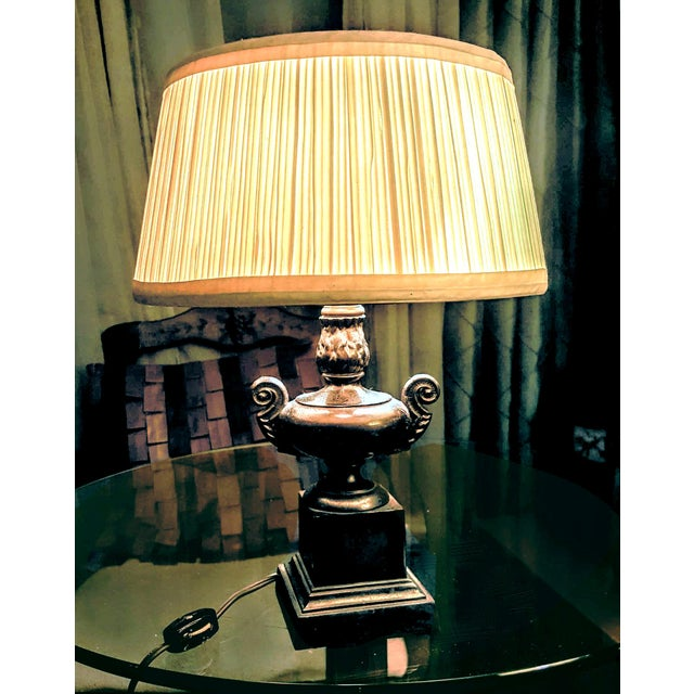 A petit vintage table lamp ideal for a small desk or to top a side table in most any room. It can also serve as a small...