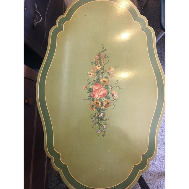 American 1960s John Widdicomb Hand Painted End Table With Floral Details For Sale - Image 3 of 5