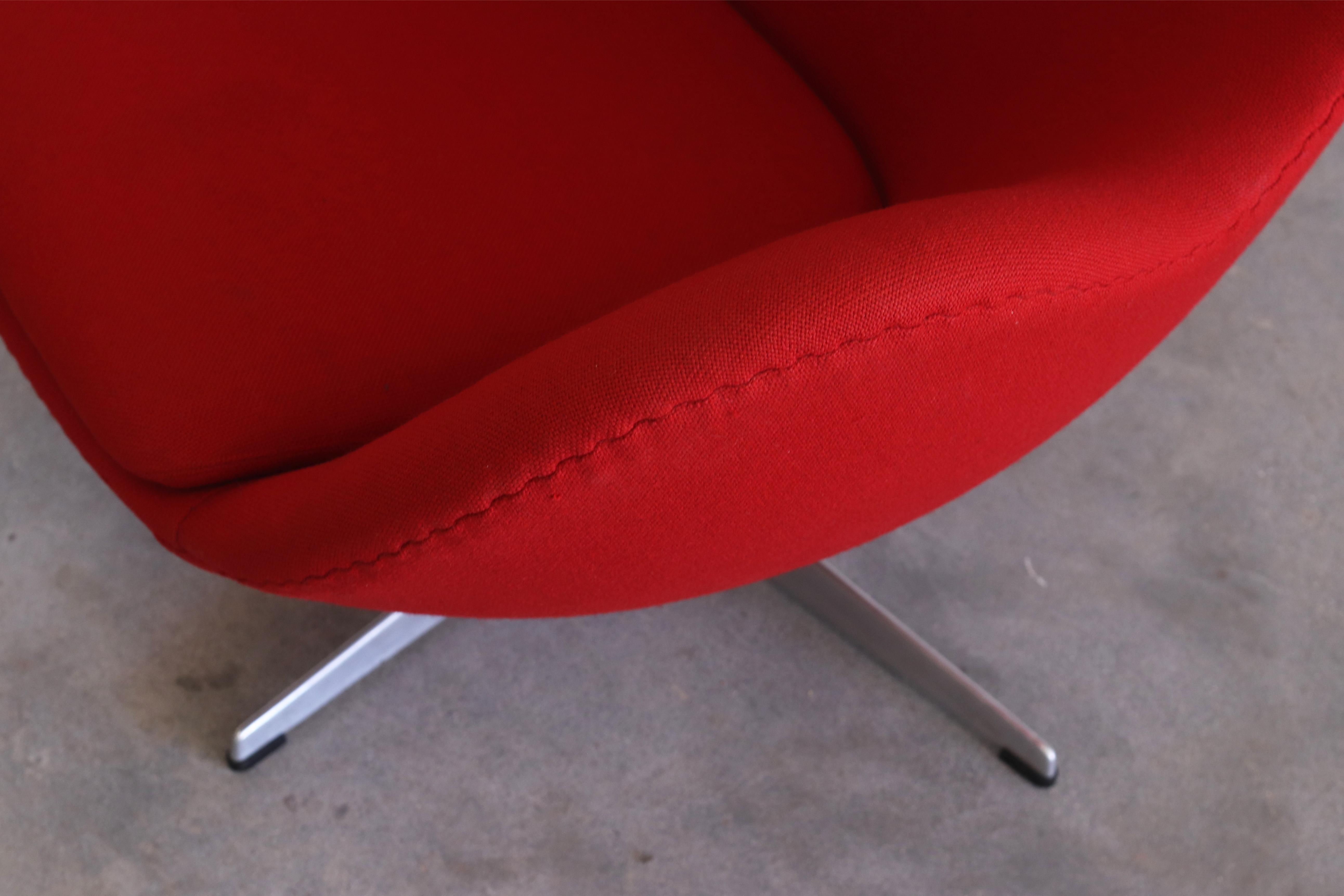 Vintage Arne Jacobsen For Fritz Hansen Danish Modern Red Egg Chair And  Ottoman For Sale In