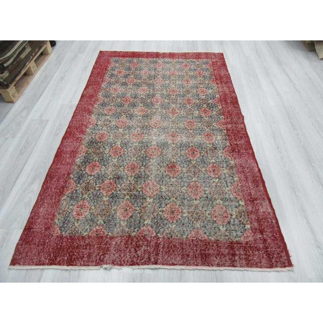 Mid-Century Modern Vintage Turkish Art Deco Hand-Knotted Rug - 4′9″ × 8′ For Sale - Image 3 of 6