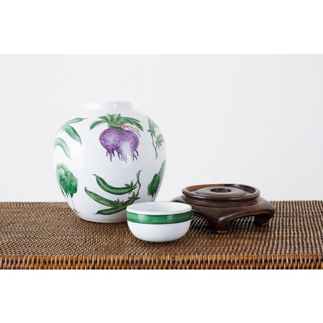 Asian Chinese Export Porcelain Lidded Ginger Jar on Stand For Sale - Image 3 of 13