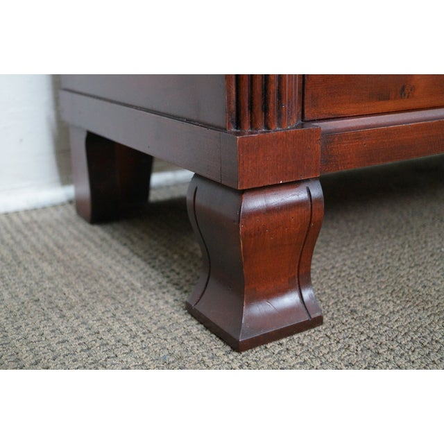 """Ethan Allen British Classics """"Daryn"""" Chests Nightstands - A Pair For Sale In Philadelphia - Image 6 of 10"""