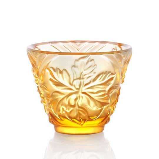 "Glass ""To Drink Amongst Flowers"" Crystal Sake Glasses in Light Amber - Set of 4 For Sale - Image 7 of 11"