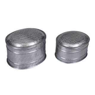 Aluminum Metallic Silver Handmade Nesting Jewelry Boxes With Etched Pattern - Set of 2 For Sale