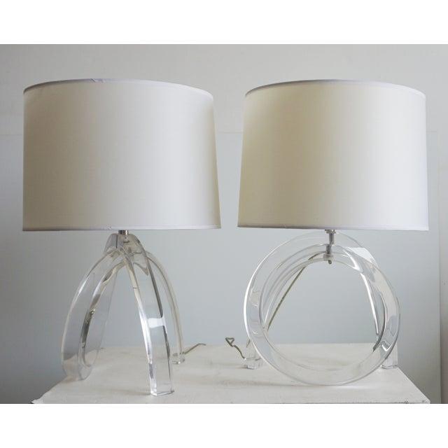 Transparent Dorothy Thorpe Lucite Pretzel Lamps - A Pair For Sale - Image 8 of 8