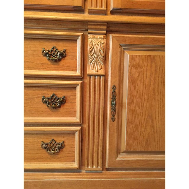 Late 20th Century Chippendale Style China Cabinet For Sale In Chicago - Image 6 of 6