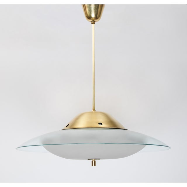 Italian 1950s Vintage Max Ingrand for Fontana Arte Crystal and Brass Chandelier For Sale - Image 3 of 6