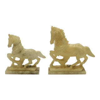 Mid-20th Century Italian Alabaster Mantle Horse Figurines - a Pair For Sale