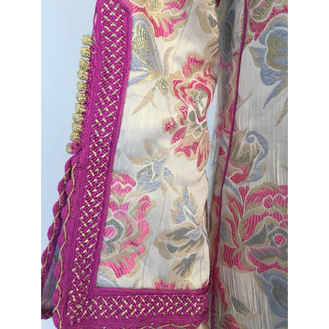 Vintage 1970s Moroccan Kaftan Brocade Embroidered With Pink and Gold Trim For Sale In Los Angeles - Image 6 of 10