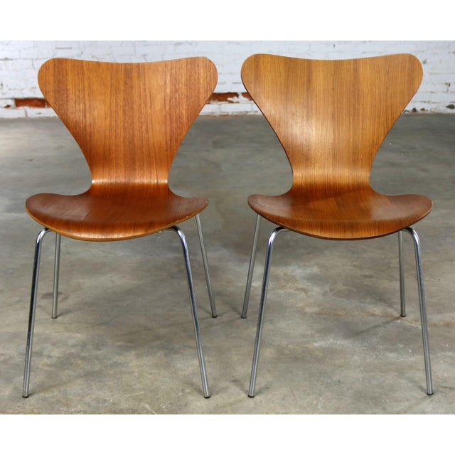 Series 7 Chairs by Arne Jacobsen for Fritz Hansen Vintage MCM Molded Teak a Pair For Sale - Image 13 of 13