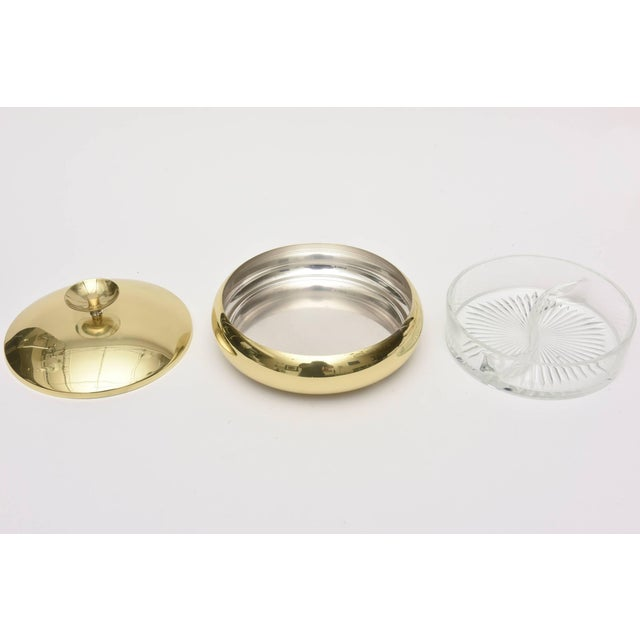Gold 1950s Mid-Century Modern Tommi Parzinger Polished Brass Box or Bowl For Sale - Image 8 of 11