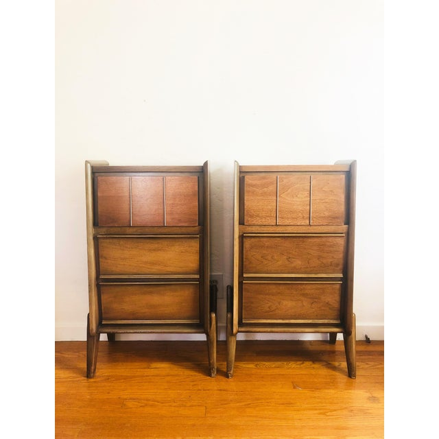 Boho Chic Pair of Mid Century Walnut Nightstands For Sale - Image 3 of 12