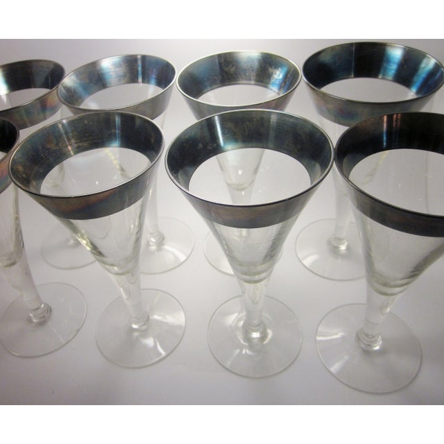 Metal Vintage Mid Century Modern Dorothy Thorpe Style Sterling Silver Rimmed Triangle Fluted Wine Martini Cocktail Stemware - Set of 8 For Sale - Image 7 of 10