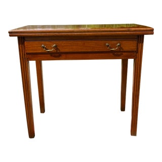 18th Century Pennsylvania Walnut Chippendale Style Flip Top Game Table For Sale