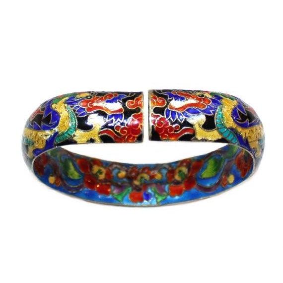 1960s Chinese Cloisonné Enamel Dragon Bangle - Chinese Bracelet - Dragon Bracelet - Vintage Chinese Jewelry - Enameled Chinese Bracelet For Sale - Image 5 of 6