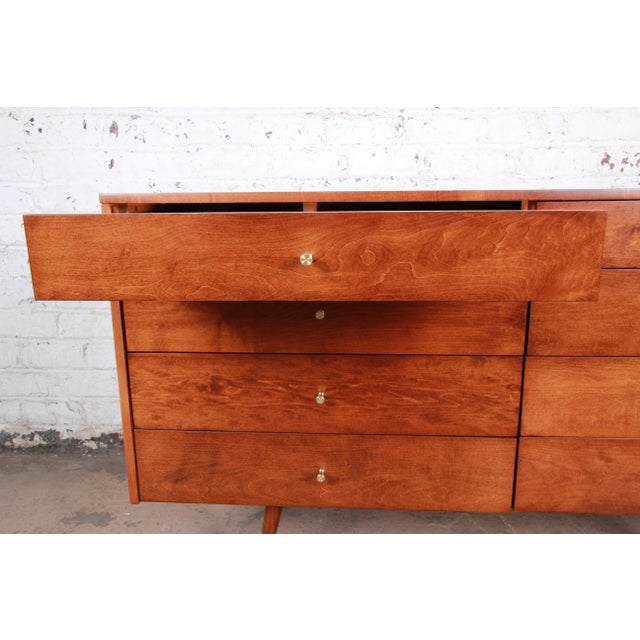 1950s Paul McCobb Planner Group Mid-Century Modern Long Dresser or Credenza, Newly Restored For Sale - Image 5 of 13