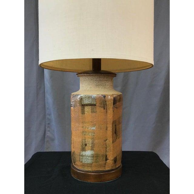 Brent Bennett Signed Brent Bennett Glazed Stoneware and Walnut Table Lamp, 1960s For Sale - Image 4 of 13