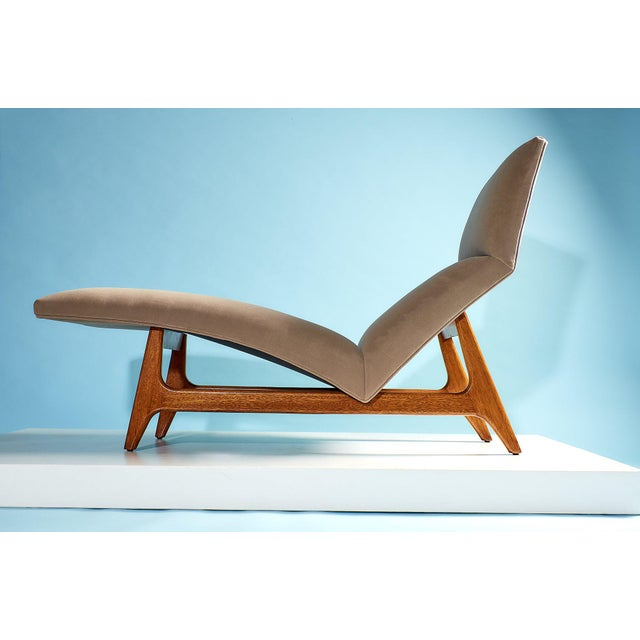 Rare Contour Chaise by Harvey Probber, Model 1000 Made in USA for Harvery Probber Inc., circa 1950's Oak, newly...