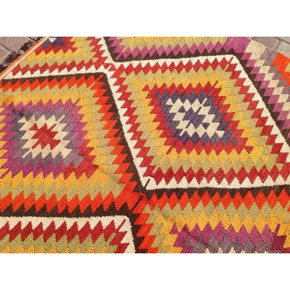 Vintage Turkish Kilim Rug - 5′5″ × 11′ For Sale - Image 5 of 6