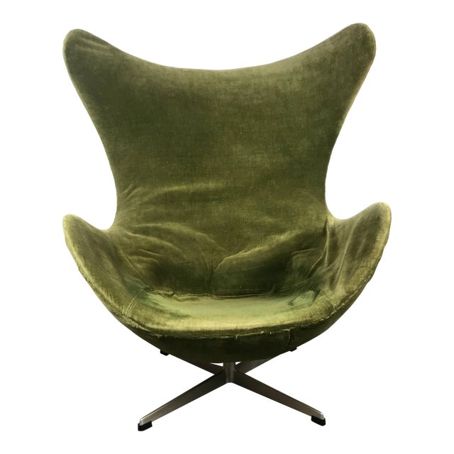 Early Original Egg Chair By Arne Jacobsen For Fritz Hansen Chairish