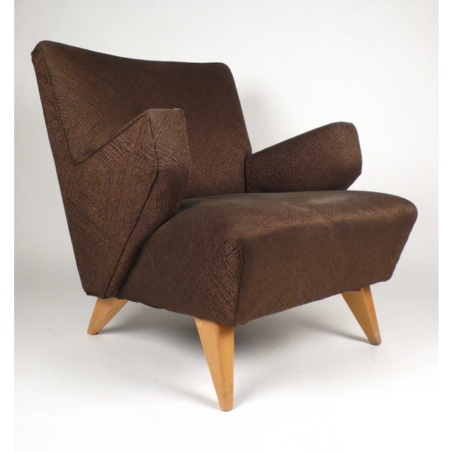 Early Lounge Chair by Jens Risom, manufactured by Knoll International. Textured brown upholstery.