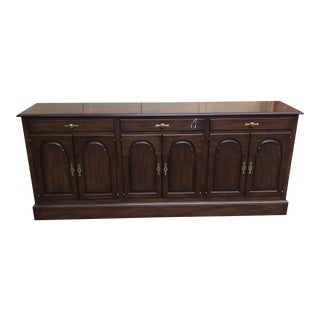 1980s Kittinger Traditional Sideboard For Sale