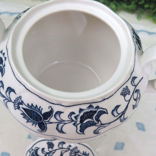 Ceramic Vintage Mismatched Sugar Bowl & Creamer With Tray For Sale - Image 7 of 13