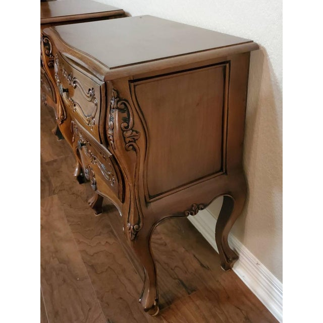 Italian Louis XV Style Carved Walnut Bedside Tables - a Pair For Sale In Austin - Image 6 of 11