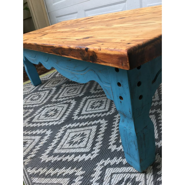 Early 20th Century Boho Chic Reclaimed Heart-Pine Coffee Table For Sale - Image 5 of 7