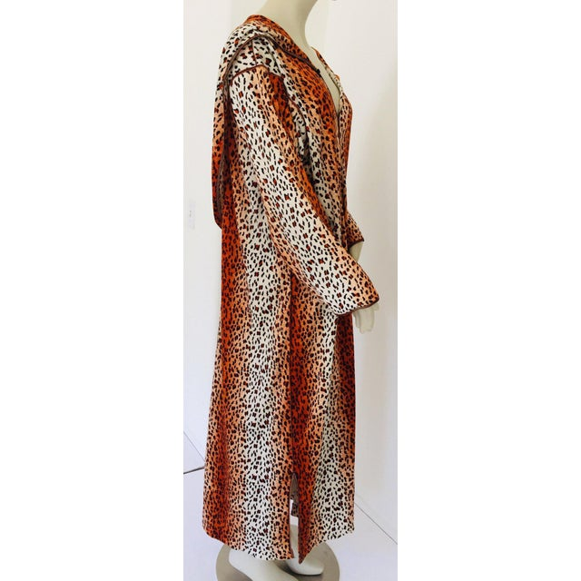Textile 1970s Moroccan Hooded Caftan Animal Print Djellabah Kaftan For Sale - Image 7 of 12