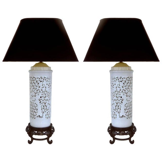 Ceramic Mid-20th Century Asian Table Lamps in Porcelain on Wood Bases - A Pair For Sale - Image 7 of 7