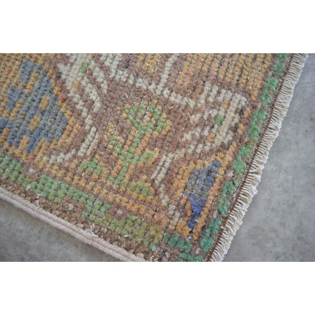 Cottage Distressed Low Pile Turkish Yastik Rug Faded Kitchen Sink Mat - 1'9'' X 3'1'' For Sale - Image 3 of 4