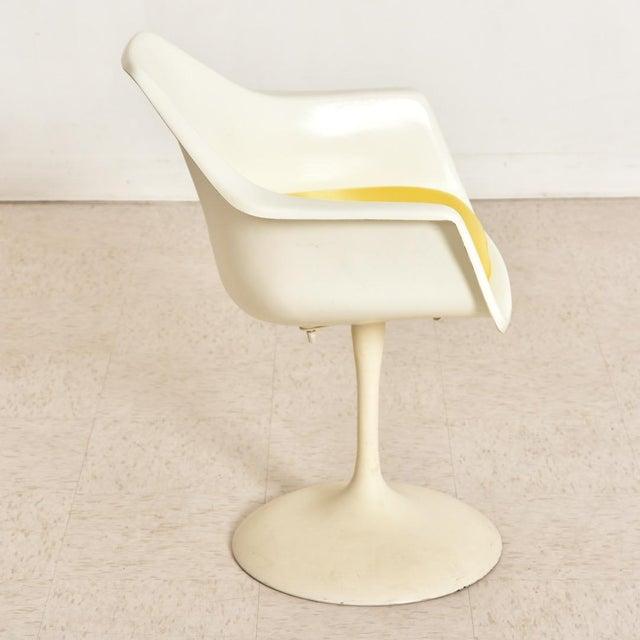 Vintage Eero Saarinen Tulip Dining Set - 5 Pieces For Sale - Image 9 of 10