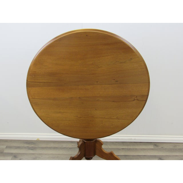 Vintage Mid Century Traditional Round Lift Top Table For Sale - Image 10 of 11
