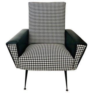 Mid-Century Modern Black and White Chair For Sale