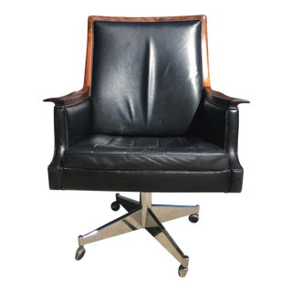 1960s Scandinavian Modern Bruksbo Minerva Leather and Wood Swivel Chair For Sale