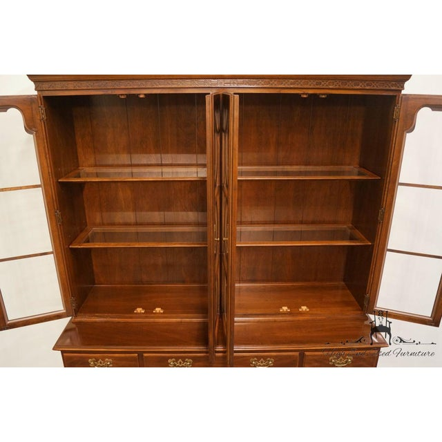 "Late 20th Century 20th Century Traditional Ethan Allen 62"" Buffet With Lighted Bubble Glass China Cabinet Hutch For Sale - Image 5 of 6"