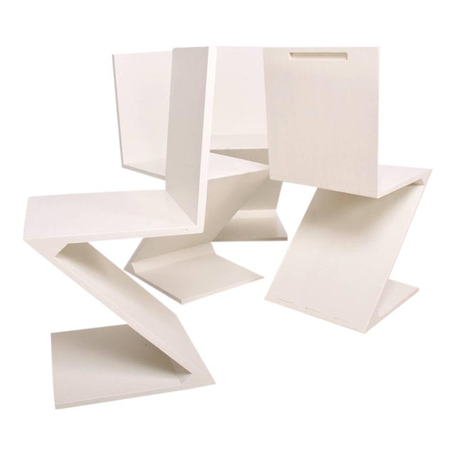 Set of 4 Zig Zag Chairs in White Color For Sale