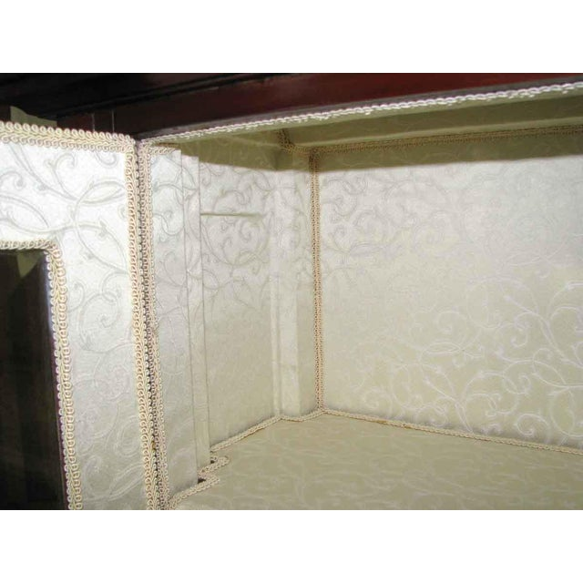 American Dining Room Cabinet With Three Shelves - Image 4 of 10