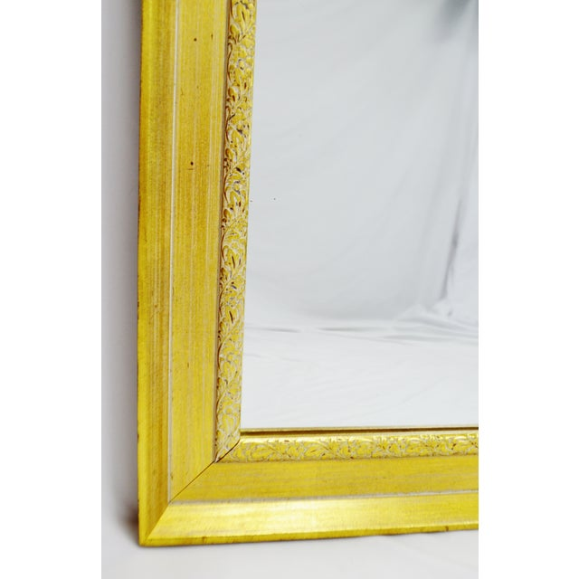Vintage Gold and White Striated Paint Framed Mirror For Sale - Image 10 of 10