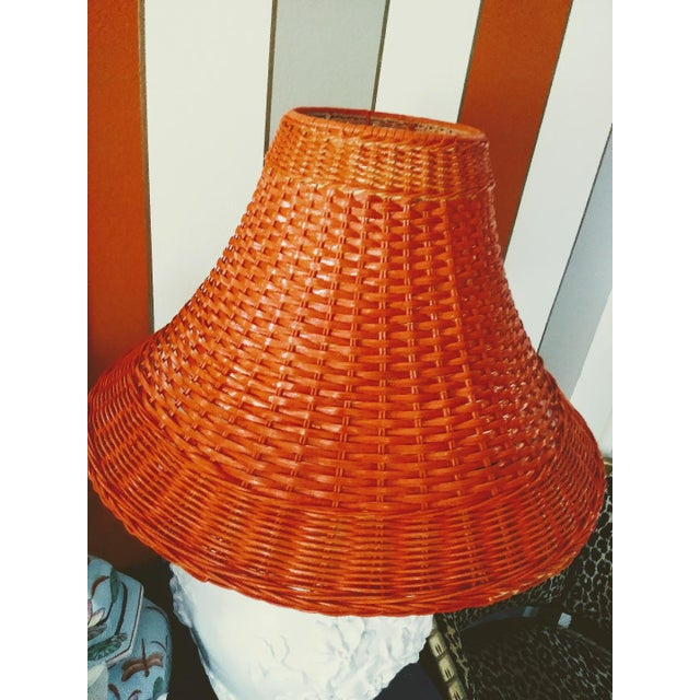 A Pair Vintage Floral Gloss White Large Pagoda Table Lamps W/Bright Orange Wicker Shades For Sale In West Palm - Image 6 of 10