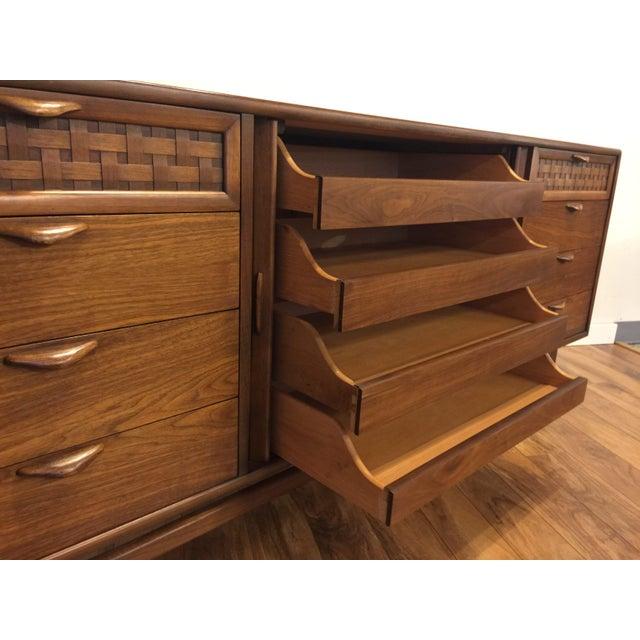 Lane Perception Mid-Century Lowboy Dresser For Sale - Image 5 of 10
