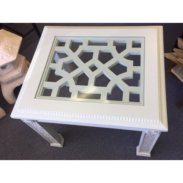Wood 1950s Vintage Chinese Chippendale Style Fretwork Design End Table For Sale - Image 7 of 11
