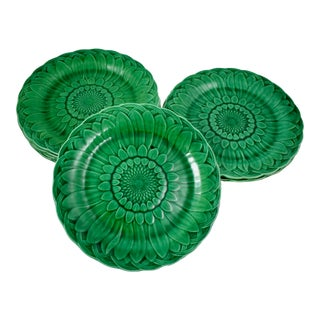 19th C. Wedgwood Majolica Green Glazed Sunflower Plate For Sale