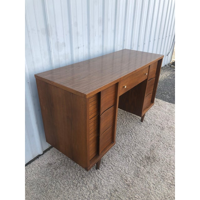 Mid-Century Modern Mid Century Modern 7 Drawer Writing Desk by Johnson Carper For Sale - Image 3 of 13