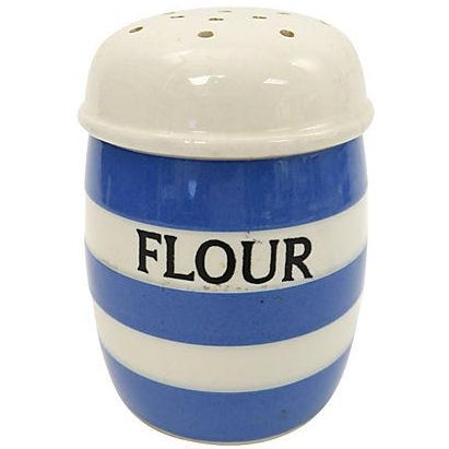 Vintage English Cornishware Flour Shaker - Image 1 of 2